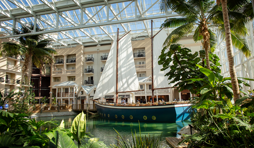 How to do a DIY Food Crawl through Gaylord Palms
