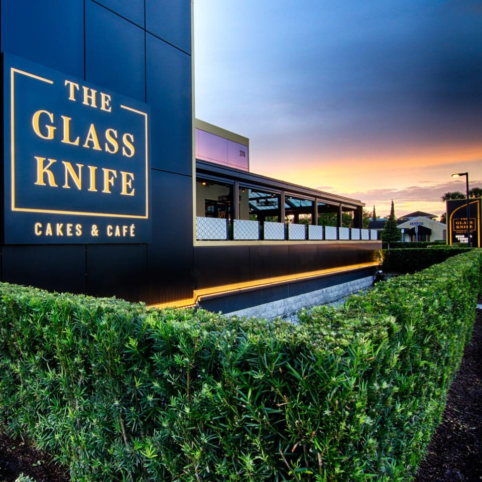 The Glass Knife outdoor dining in Orlando