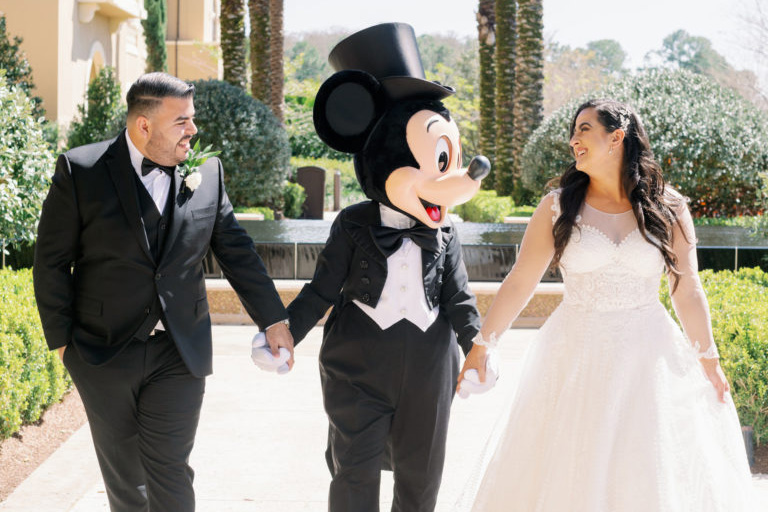 10 Disney Date Tips and Ideas from @datingindisney