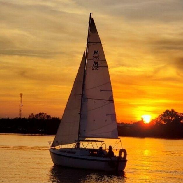 100 Orlando date night ideas - Sunset Sailing